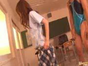 「学園のアイドルと教室で競泳水着SEX!」のサムネイル画像