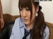 「巨乳溢れるエッチな女子校生!」のサムネイル画像