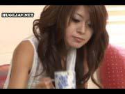 「パイパンなJK美少女に中出し!綺麗なツルツル性器ドアップ!」のサムネイル画像