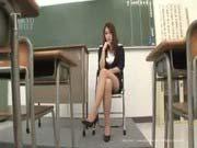 「爆乳Gカップ無差別中出し折笠しのぶ失恋で塞ぎ込む爆乳女教師に連続中出し!」のサムネイル画像