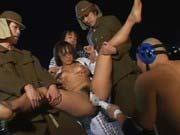 「レイプ美少女格闘家VS無制限輪姦部隊!」のサムネイル画像
