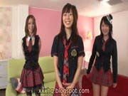 「美少女3人と乱交、中出し!3つの穴見比べてオススメ!」のサムネイル画像