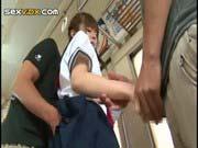 「美少女制服女子校生をバス内痴漢!」のサムネイル画像