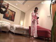 「花火大会そっちのけで浴衣娘をナンパ即ハメ!」のサムネイル画像