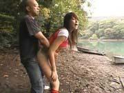 「ガチ素人娘と公園デートで即青姦開始!」のサムネイル画像