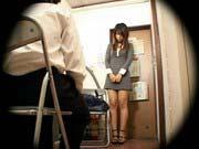 「アダルト動画万引きした爆乳娘を警備員室に連れ込み立ちバックで制裁!」のサムネイル画像