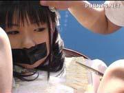 「つぼみ:拘束した美少女のパイパンマンコを責め続けマジ逝き大量潮吹き拷問!」のサムネイル画像