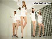 「韓国アイドル風の女5人の足コキでイク」のサムネイル画像