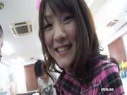 「ミニサイズのDカップ美少女・ふわりチャンがサンタコスで中出しプレゼント!」のサムネイル画像